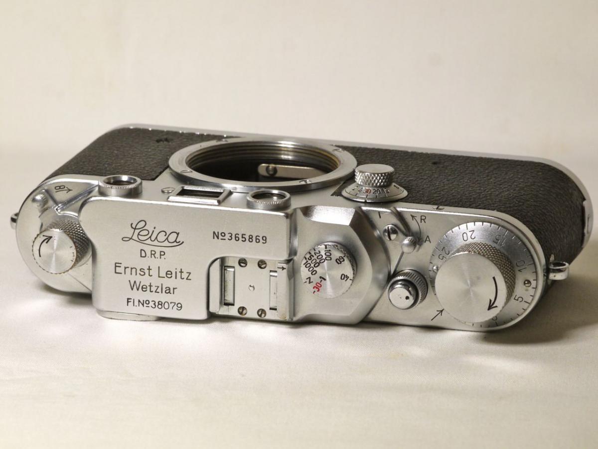 ライカ IIIC 赤幕ボデー  Luftwaffen Eigentum 旧書体刻印入
